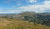 Trail Walk LE CASTELLARD-MELAN - Crête et sommet de Géruen - Photo 2
