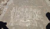 Randonnée Marche AUBAGNE - les pierres gravées par le sentier des scolopendres - Photo 3