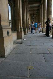 Point d'intérêt PARIS - Palais Royal: péristyles de Montpensier et de Chartres - Photo 1