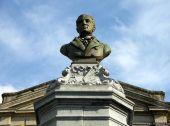 place Saint-Hubert - Buste de Redouté  - Photo 1