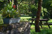 Point d'intérêt Sainte-Ode - Table de pique-nique - Photo 1