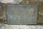 place Saint-Hubert - 3. Général, médecin et Comte Albert Guérisse - Photo 2