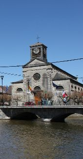place Viroinval - Église de Nismes - Photo 2