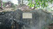 place FONTAINEBLEAU - 06 - Une stèle en l'honneur des carriers - Photo 1