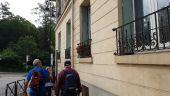 place VERSAILLES - un curieux à la fenêtre - Photo 1